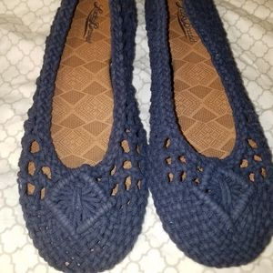 Lucky Brand cord type flats